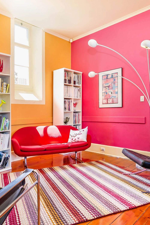 Для житлових кімнат найкраще використовувати спокійні тони