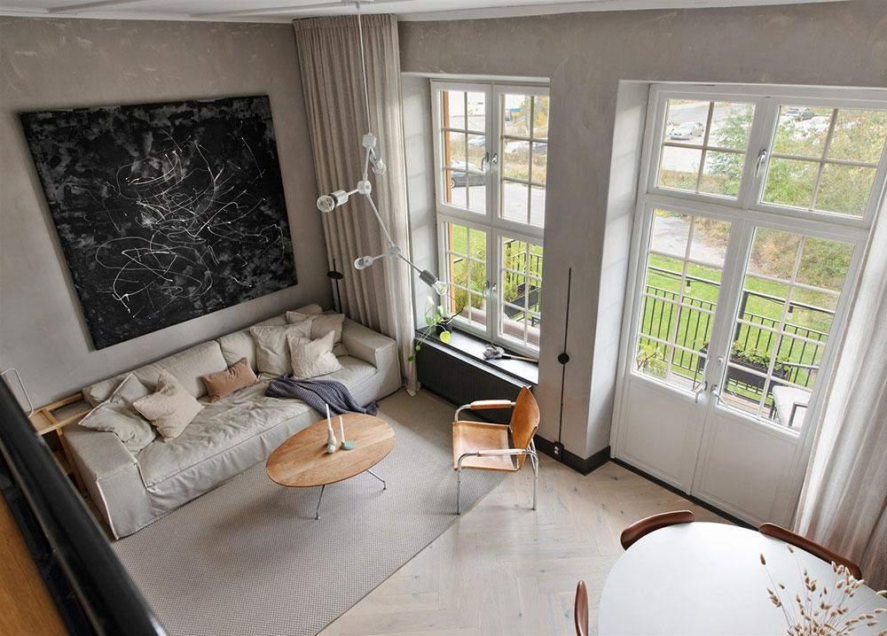 Большие окна делают квартиру очень светлой