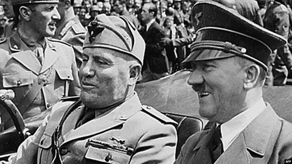 Беніто Муссоліні та Адольф Гітлер