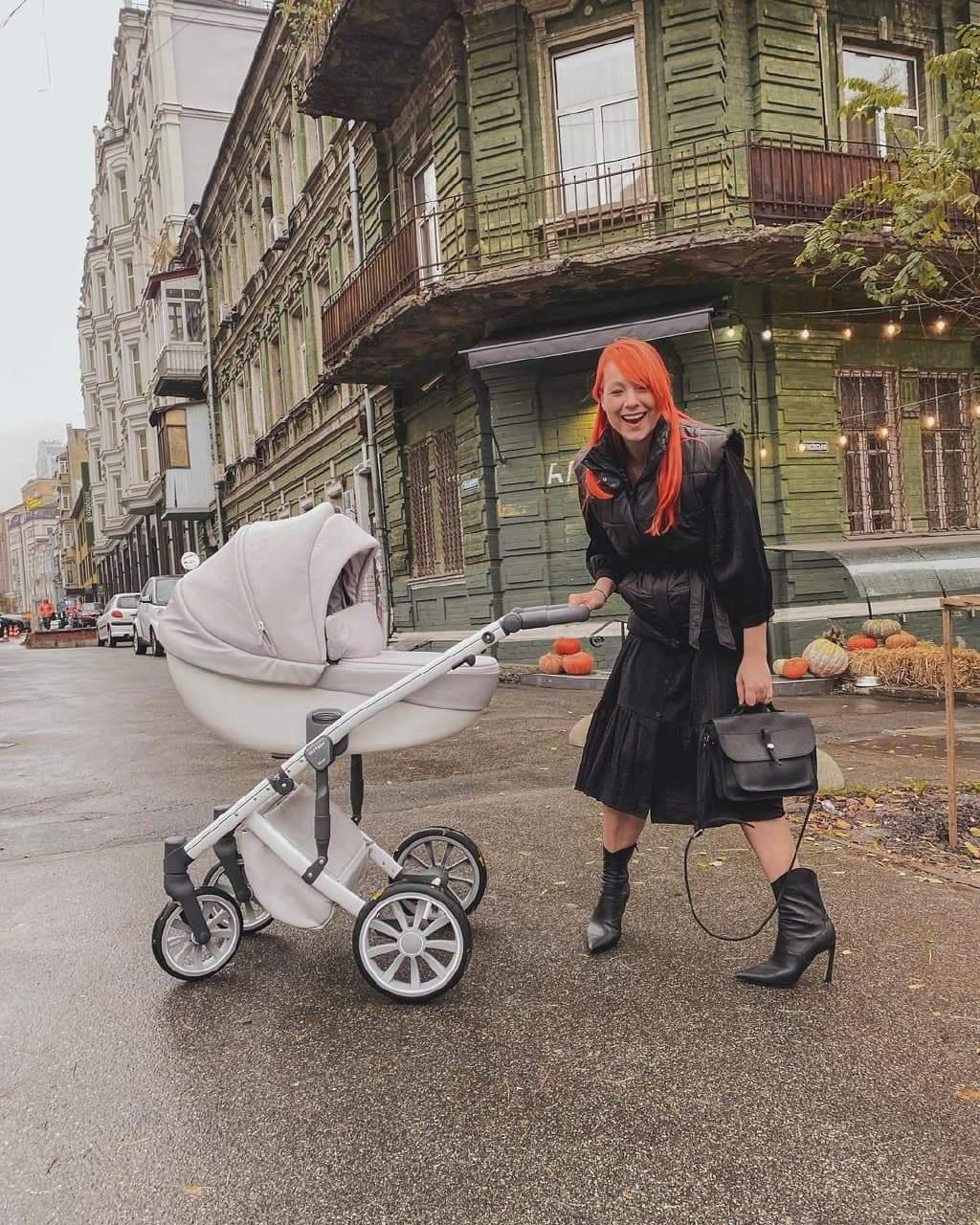 Світлана Тарабарова опублікувала нові кадри з донечкою