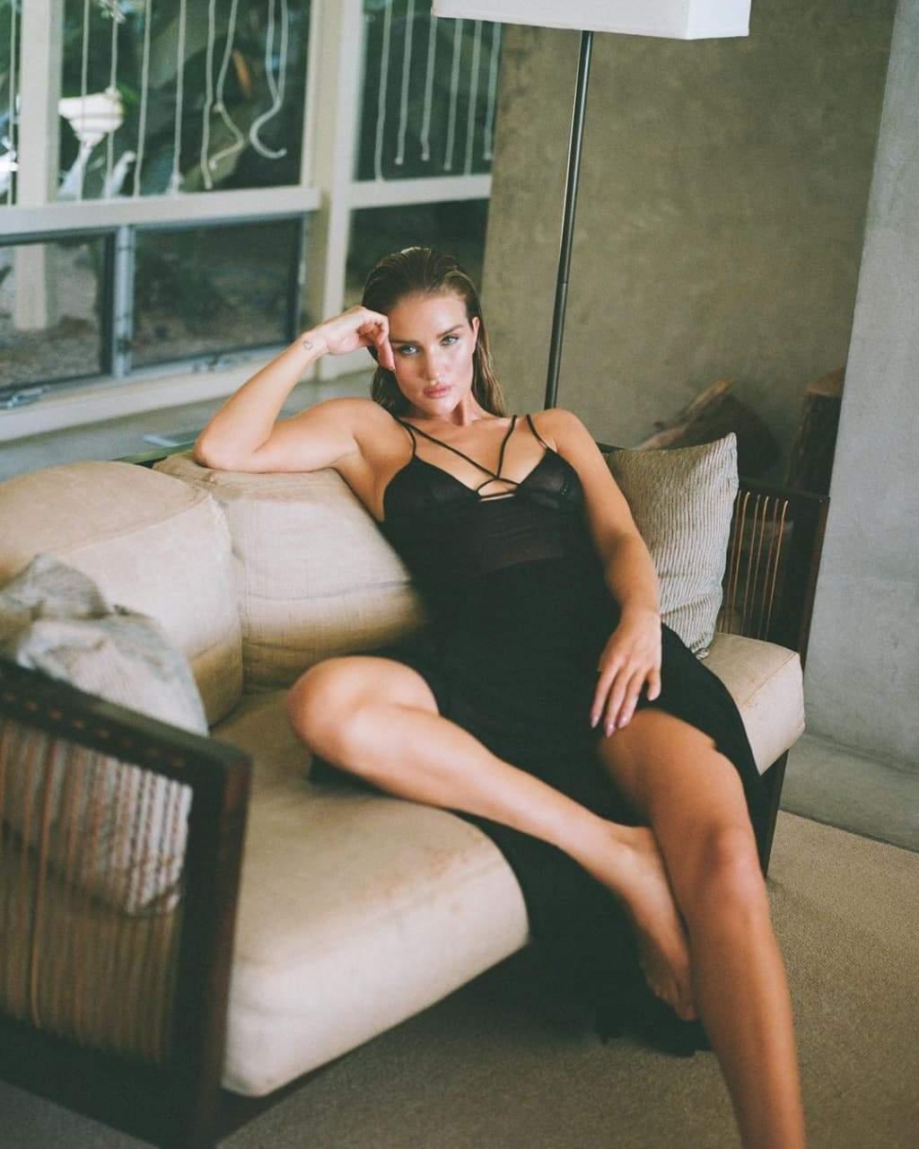 Фотосесія Розі Гантінгтон-Вайтлі / Фото з інстаграму моделі