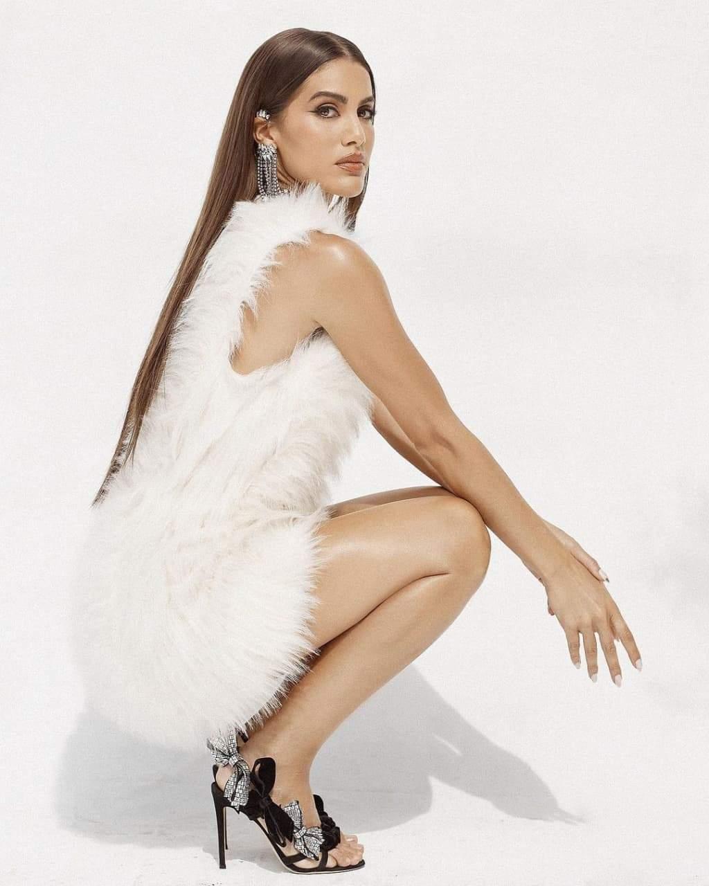 Каміла Коельо у фотосесії для L'Officiel
