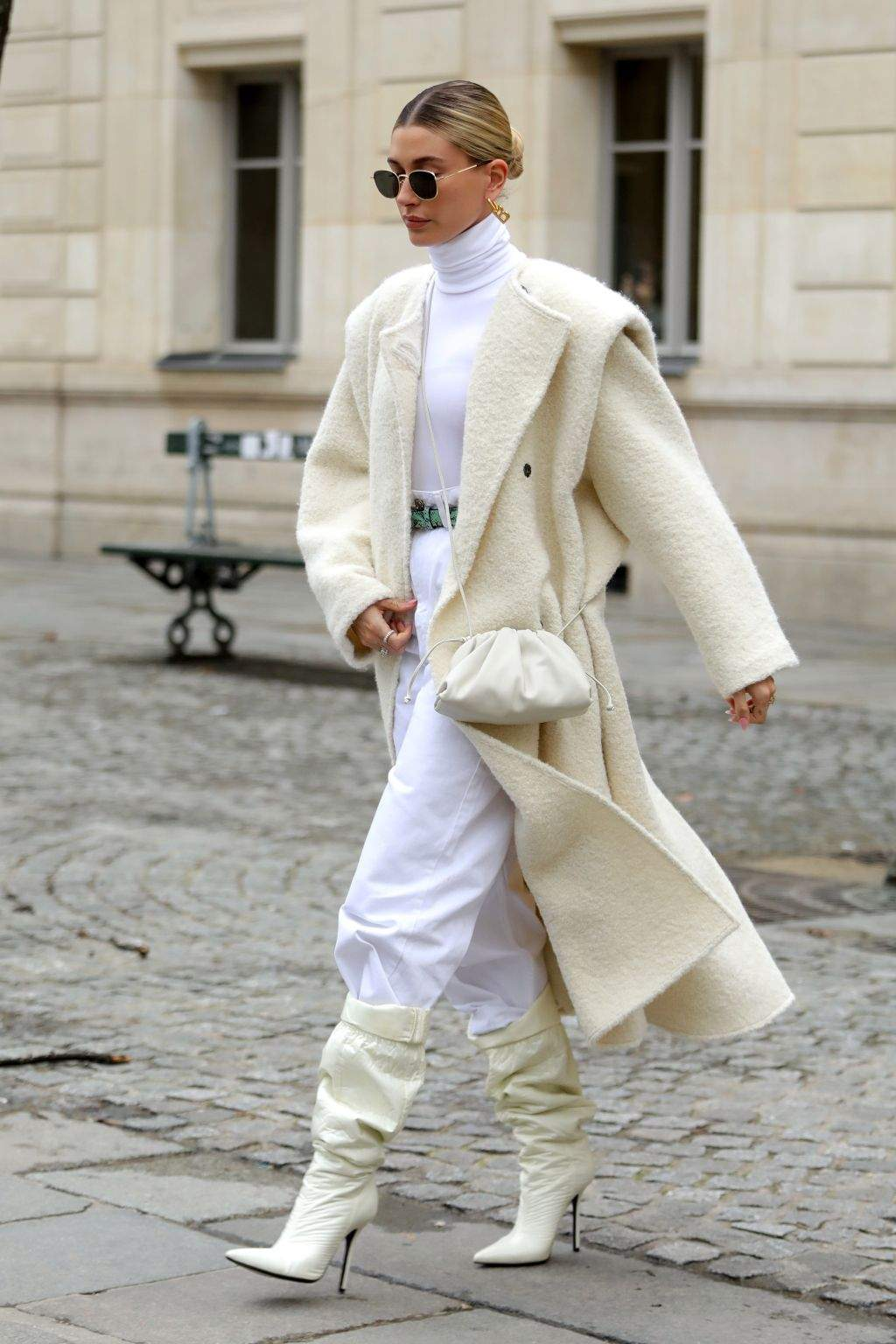 Гейлі Бібер пальто
