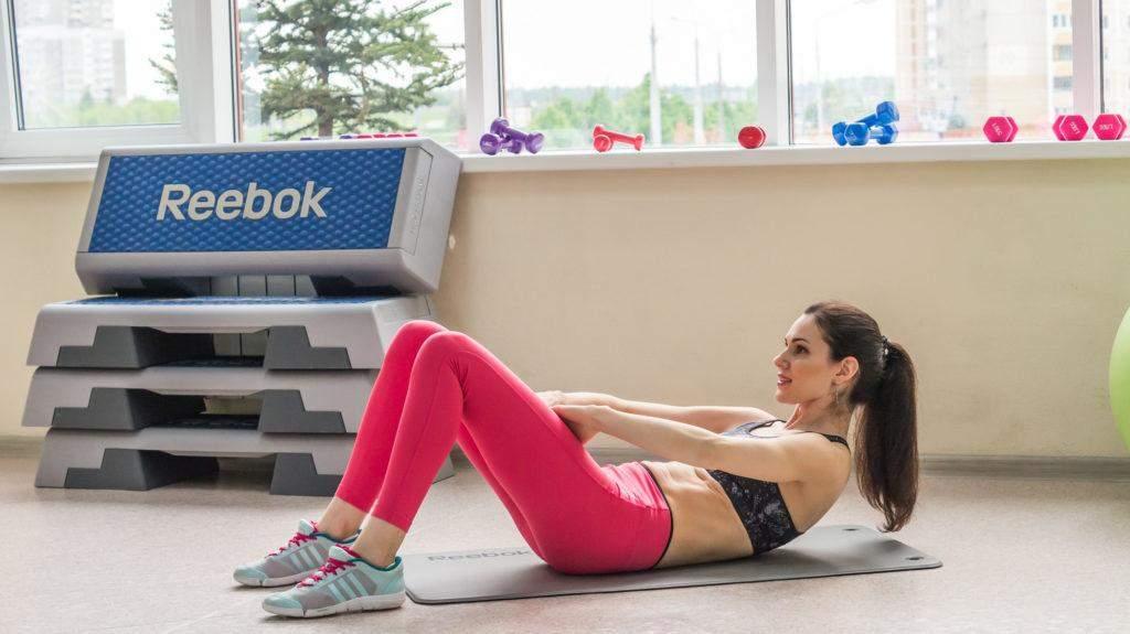 Для красивого пресса лучше выполнять статические упражнения