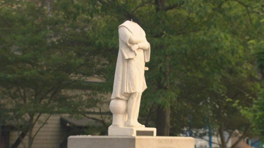 У Бостоні відірвали голову статуї Колумба