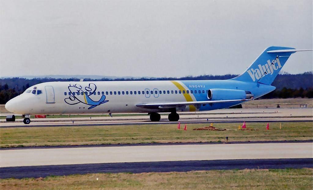 авіалайнер DC-9-32