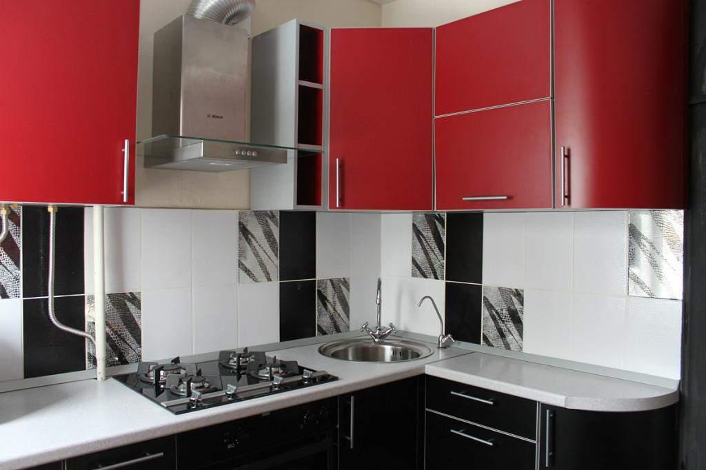 Матова кухня у стильному поєднанні кольорів