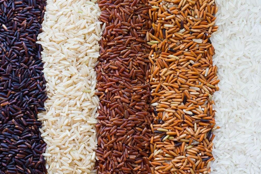Бурый рис содержит много калорий