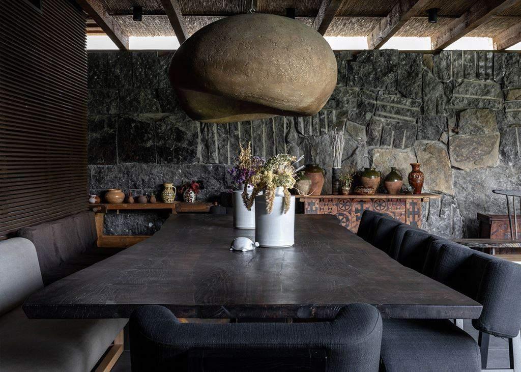 Обідній стіл – улюблене місце відпочинку усієї родини