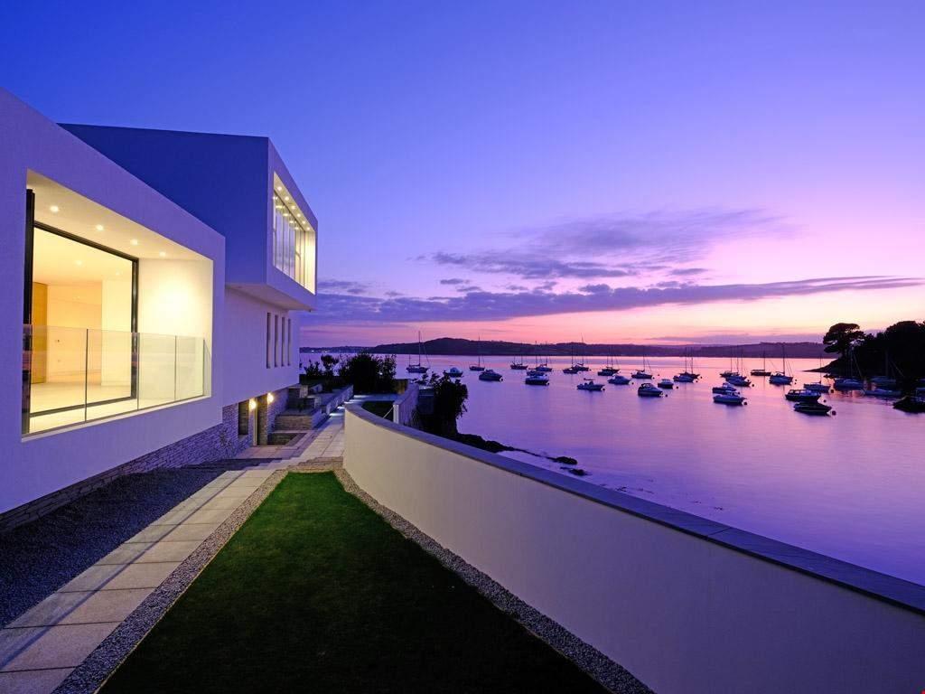 Вбудована тераса – ідеальне місце для спостереження за заходом сонця  / Фото  Rightmove
