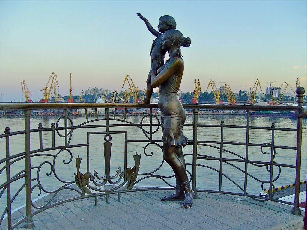 Пам'ятник жінці моряка на Морвокзалі в Одесі, Одеса, історія Одеси, як змінилася Одеса за 30 років Незалежності України