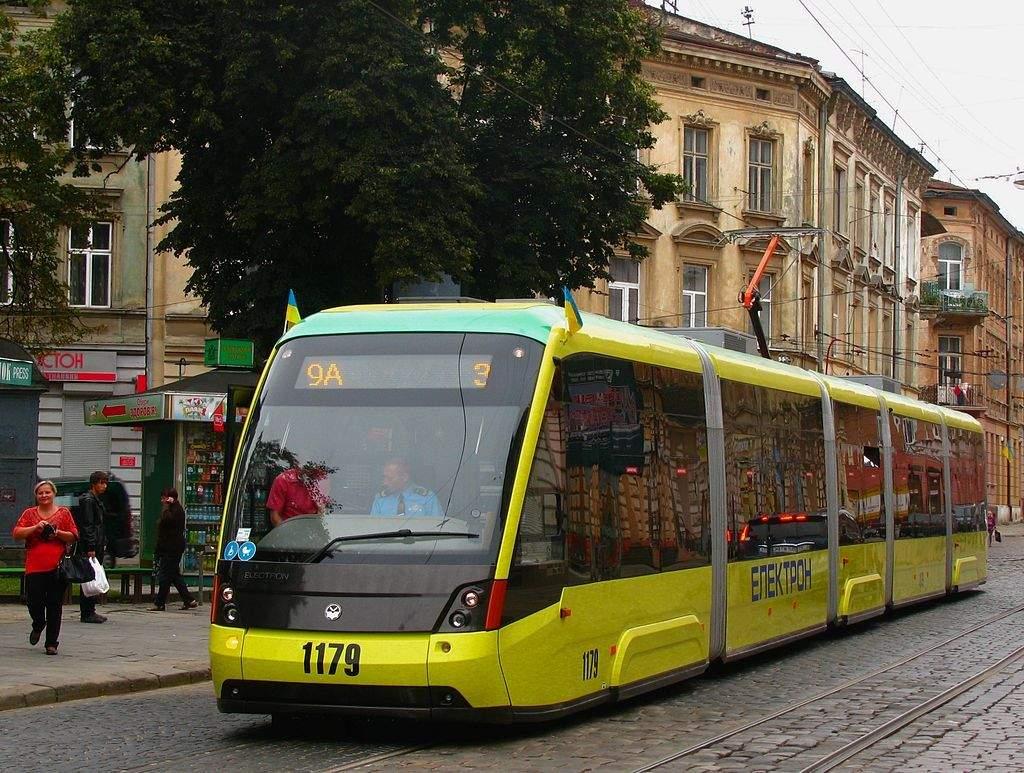 Электрон T5L64 - является первым 100% низкопольный трамвай, изготовленный в Украине /