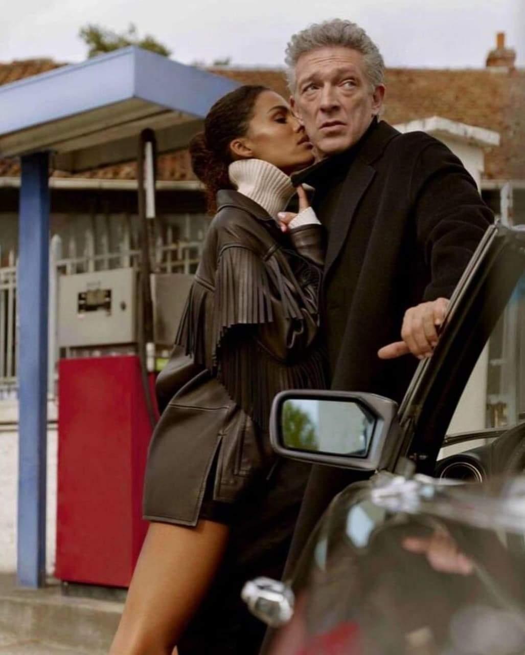 Венсан Кассель та Тіна Кунакі в рекламній зйомці / Фото з інстаграму Voguegram