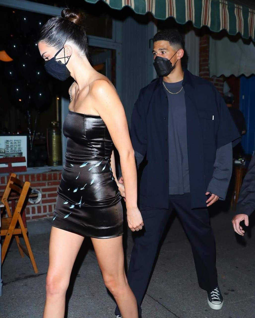 Кендалл Дженнер у чорній сукні / Фото з інстаграму Just Jared'