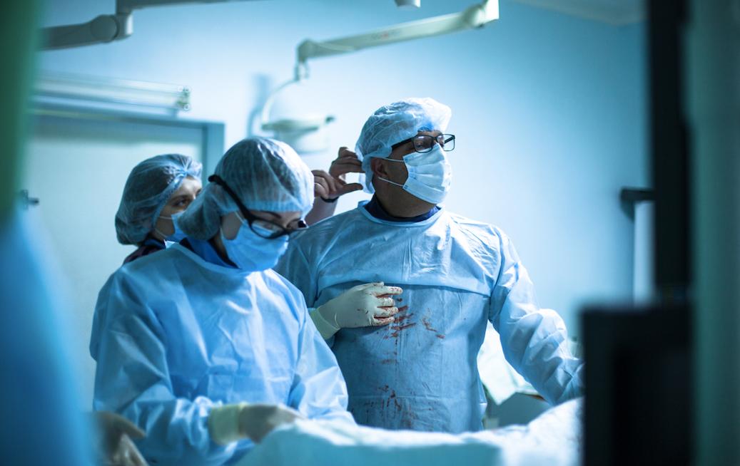 кардіохірург Пьєр Левіс