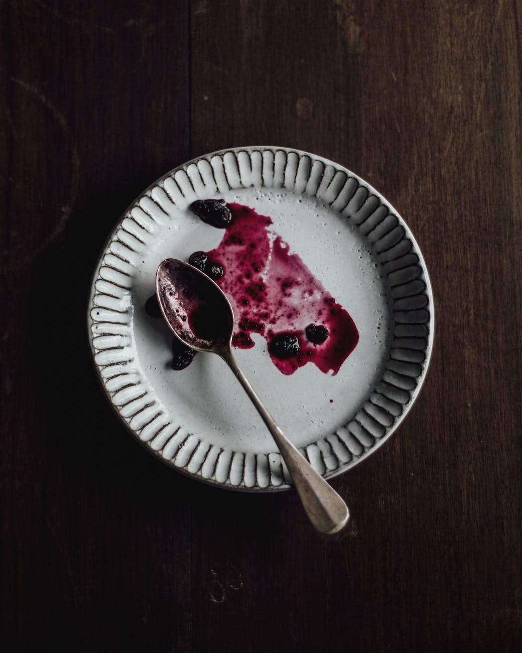 Чому варто їсти повільно