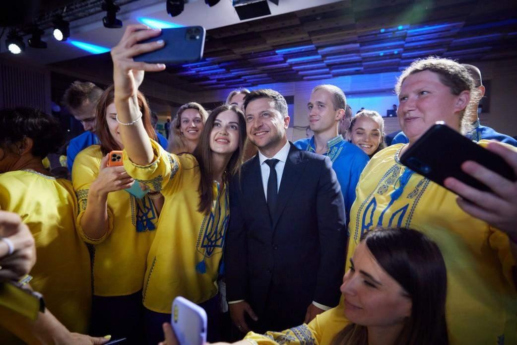 Президент прибув на церемонію проводів паралімпійців