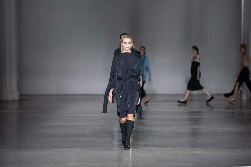 Общее дефиле моделей на показе бренда Juliya Kros