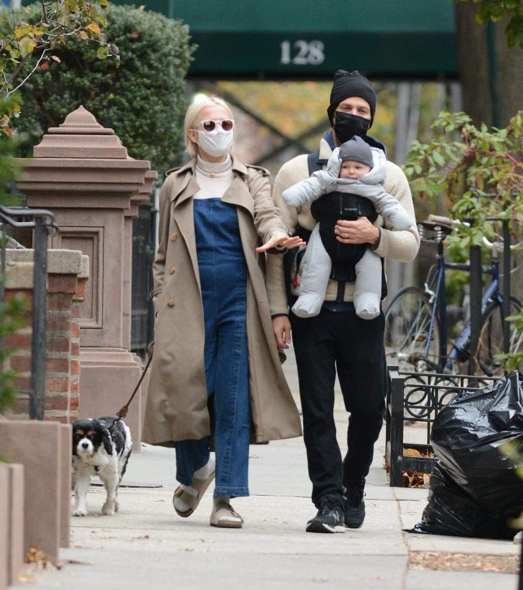 Мішель Вільямс з чоловіком та сином /PopCornNews