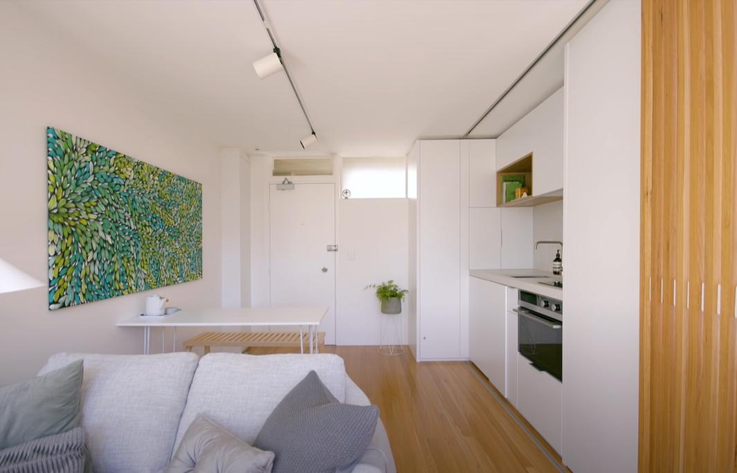 Білий колір в інтер'єрі робить приміщення візуально більшим