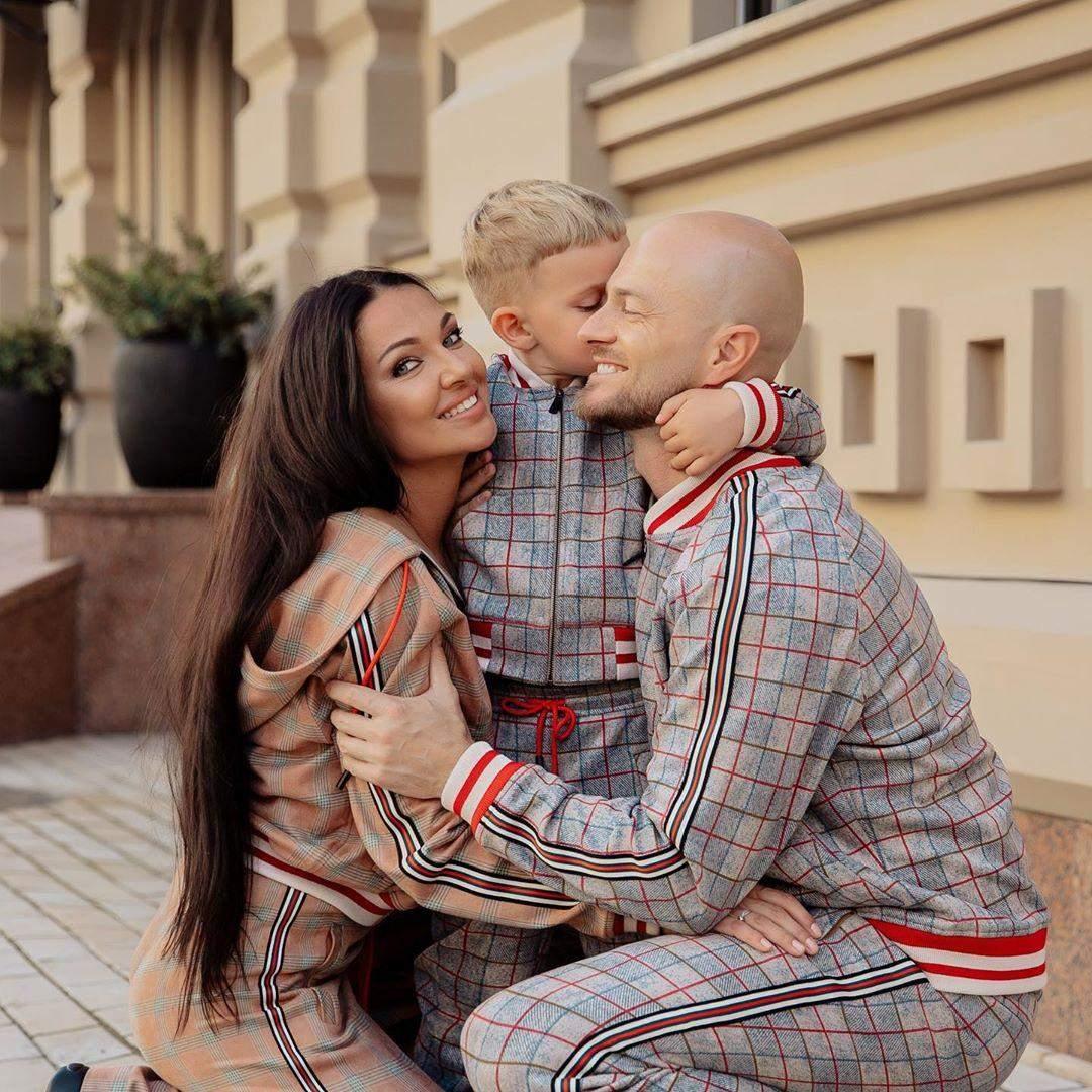 Влад Яма з дружиною і сином