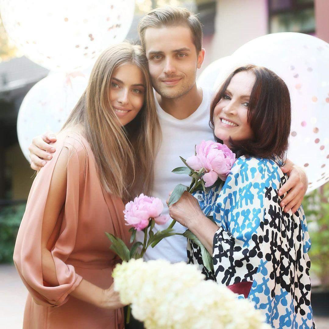 Софія Ротару з онуками Софією та Анатолієм