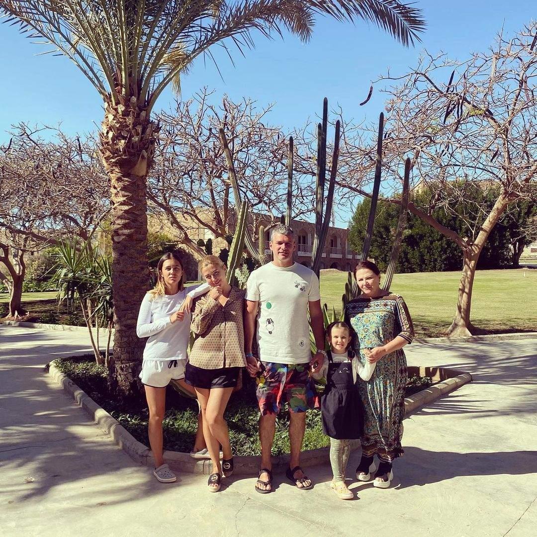 Ніна Матвієнко з сім'єю в Єгипті