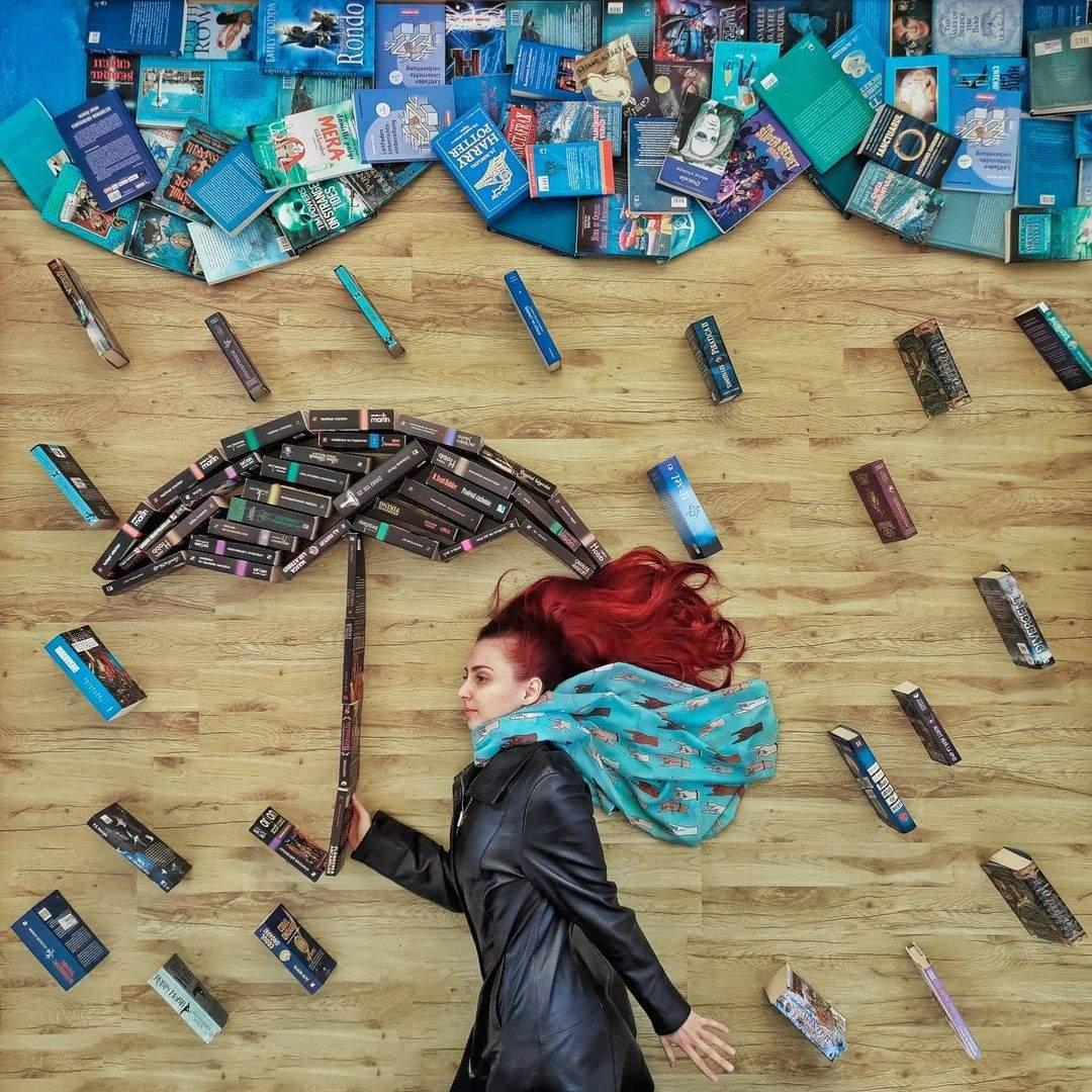 Книжкові інсталяції Елізабет Саган