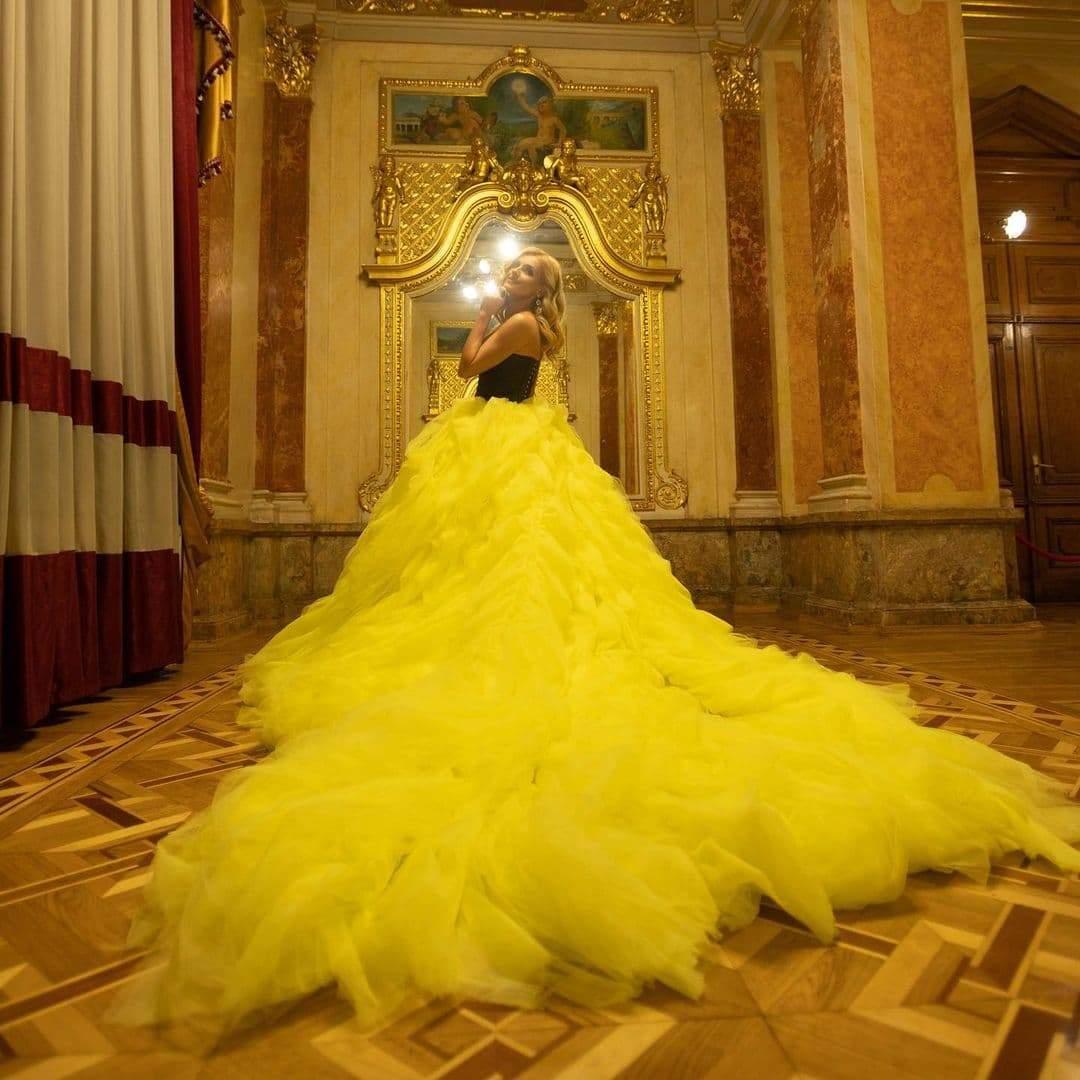 Помпезна сукня Ірини Федишин