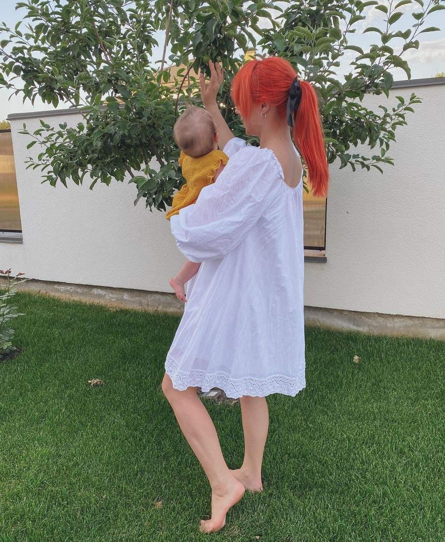 Світлана Тарабарова з донечкою