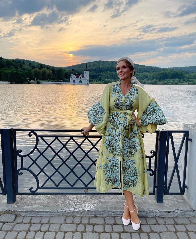 Катя Осадча у вишитій сукні за 76 тисяч гривень