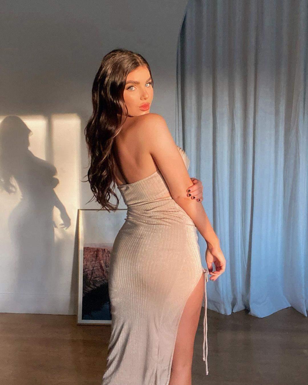 Ніколь Торн знялася в еротичній сукні