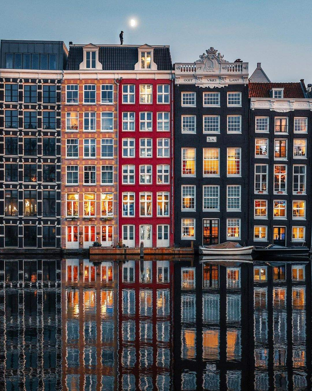 Вечірні фасади Амстердаму / Фото instagram amsterdamworld