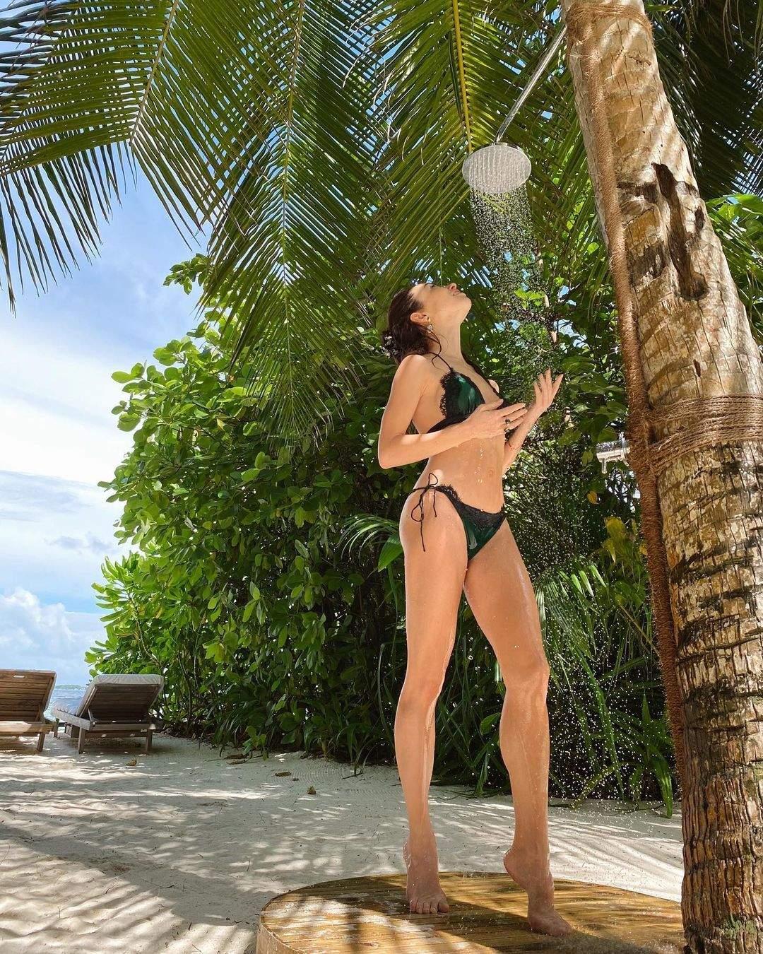 Катерина Кухар у купальнику на Мальдівах