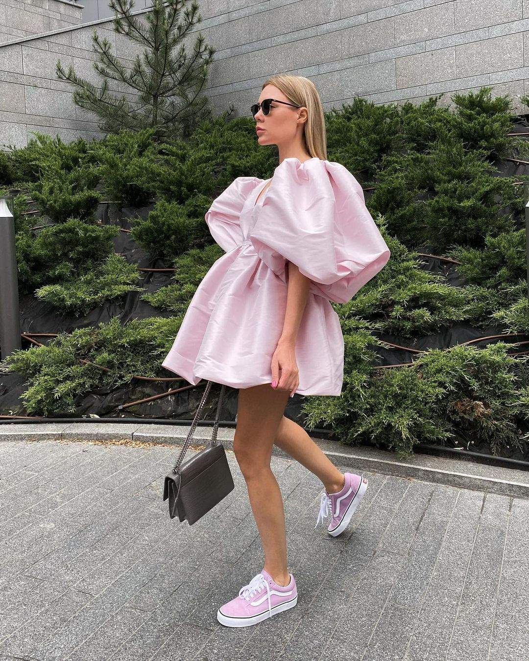 Об'ємні сукні літо 2021