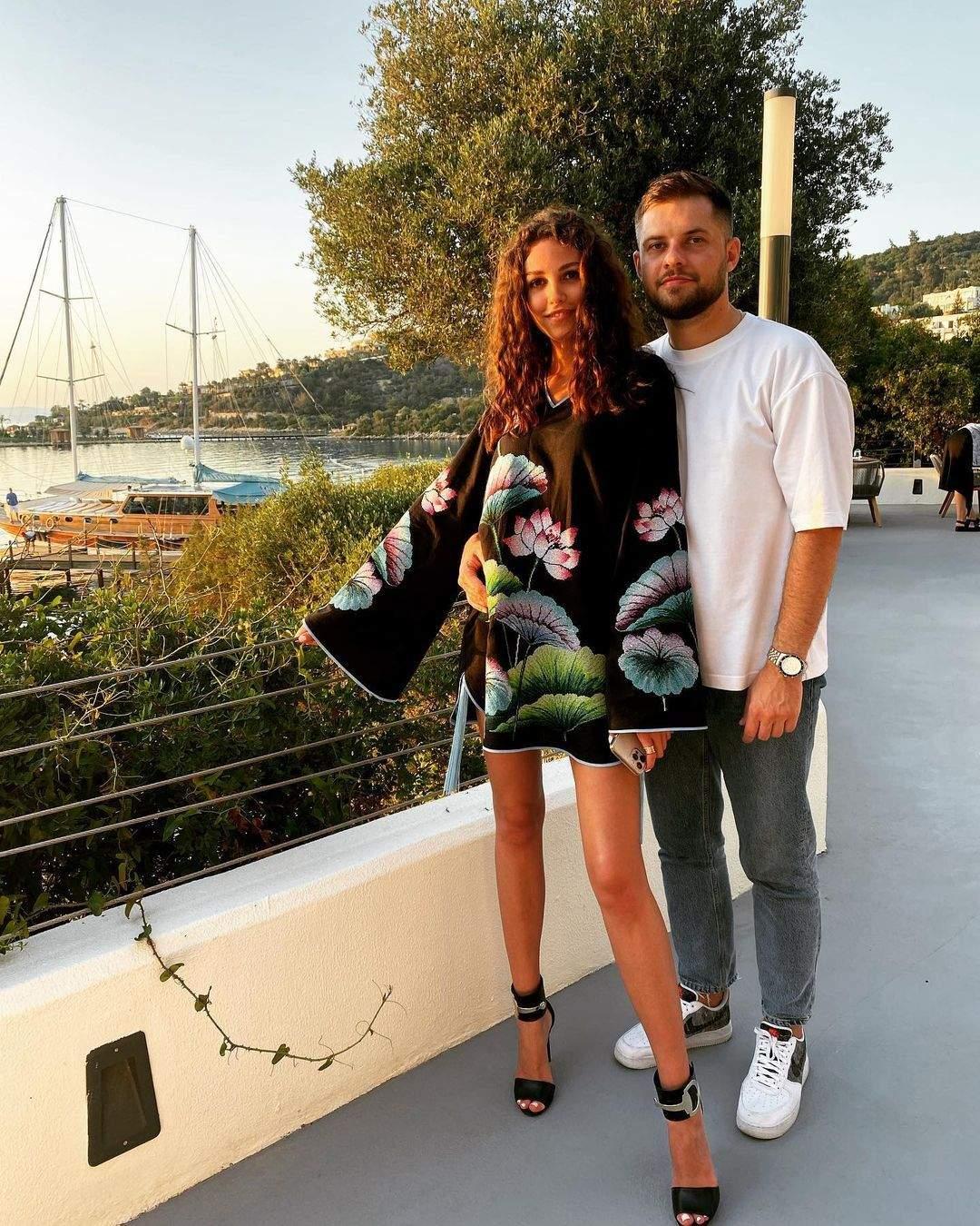 Анна Богдан з другом Денисом у Туреччині