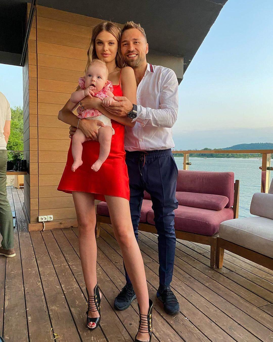 Макс Михайлюк з дружиною і донькою