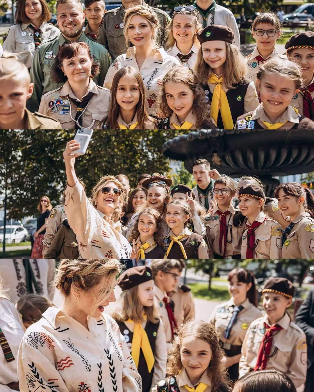 Кетрін Винник з пластунами в Києві
