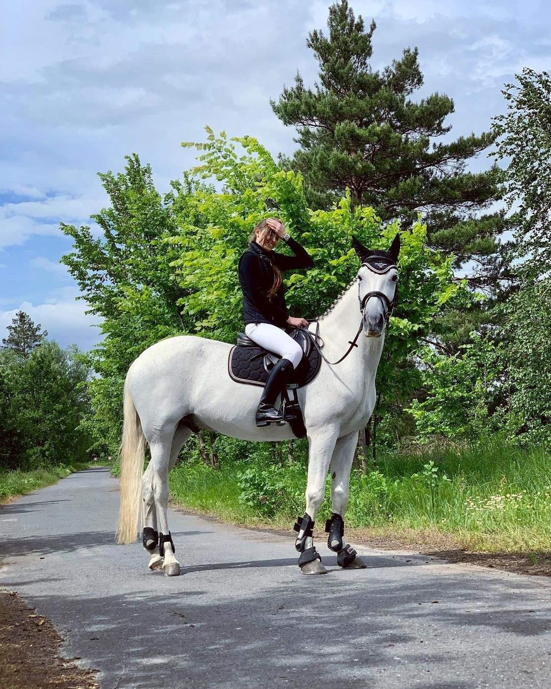 Власниця коня зі Скаєм