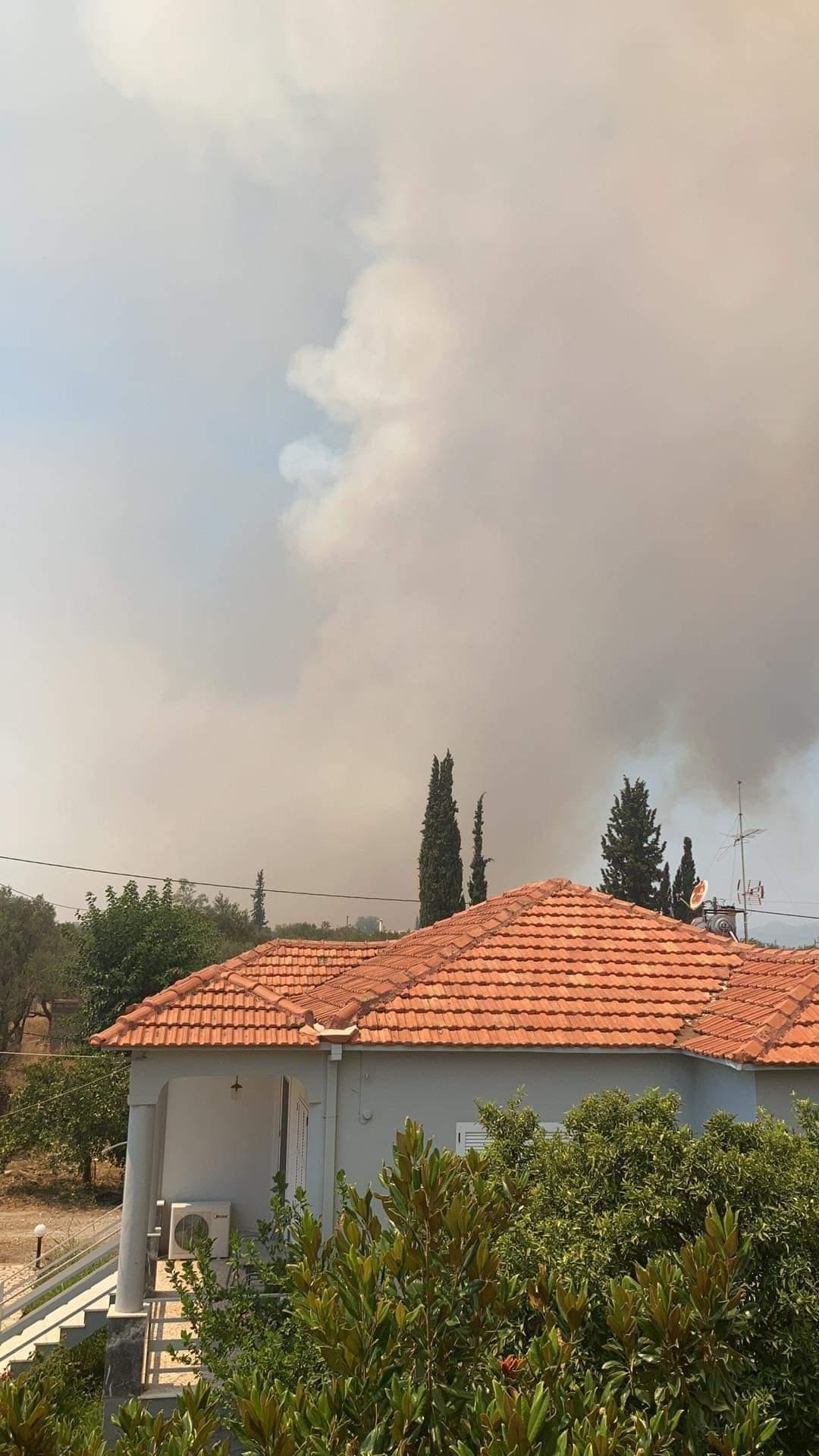 Влада евакуйовує людей з Греції