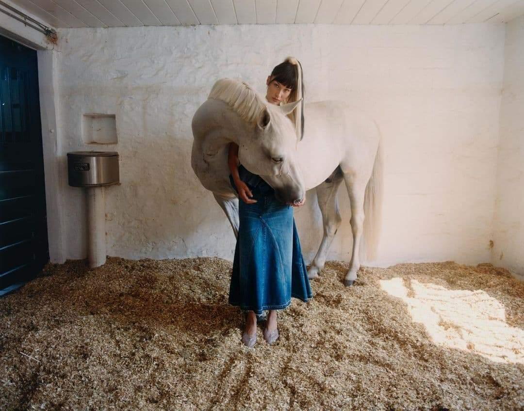 Фотосесія Белли Хадід на сімейному ранчо