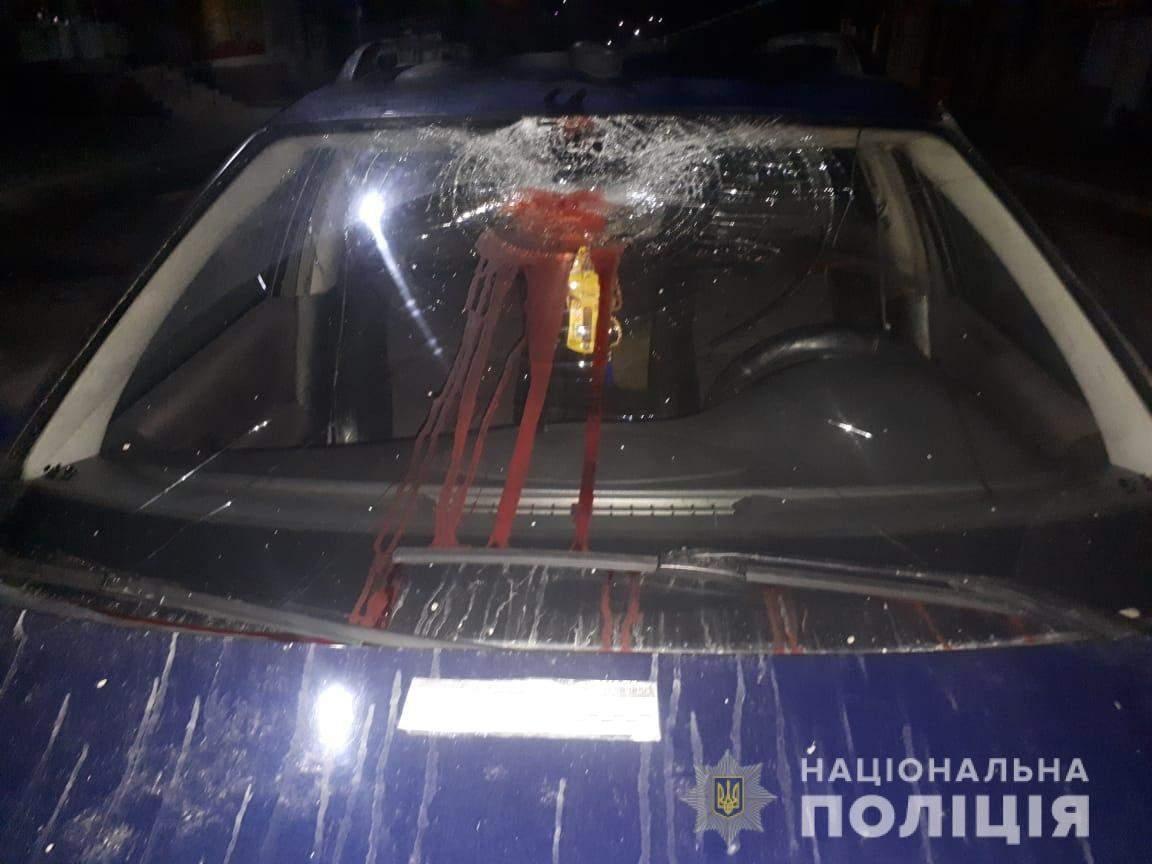 Дивом вижив: на Львівщині чоловіка переїхали одразу 2 автівки – фото