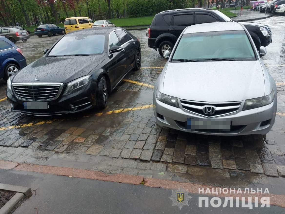 крадіжка з авто Харків поліція затримала крадіїв