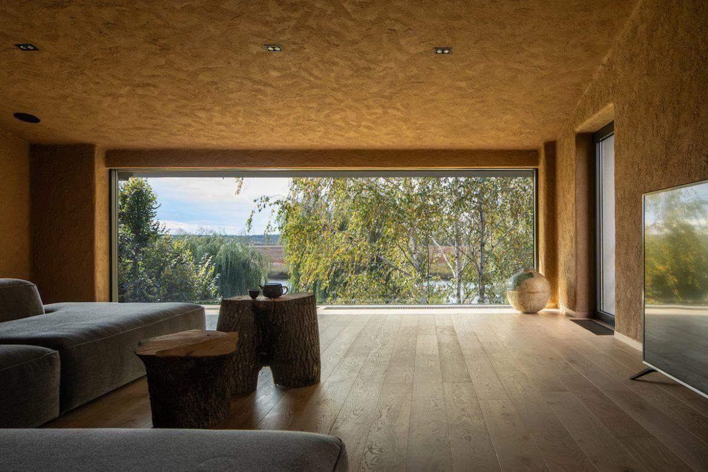 У квартирі чудовий панорамний вид на околиці