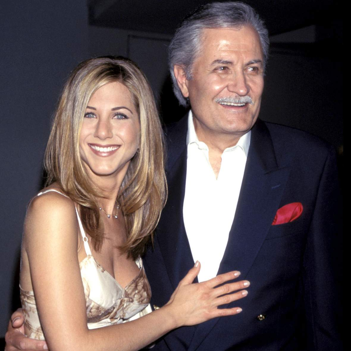 Дженніфер Еністон з батьком