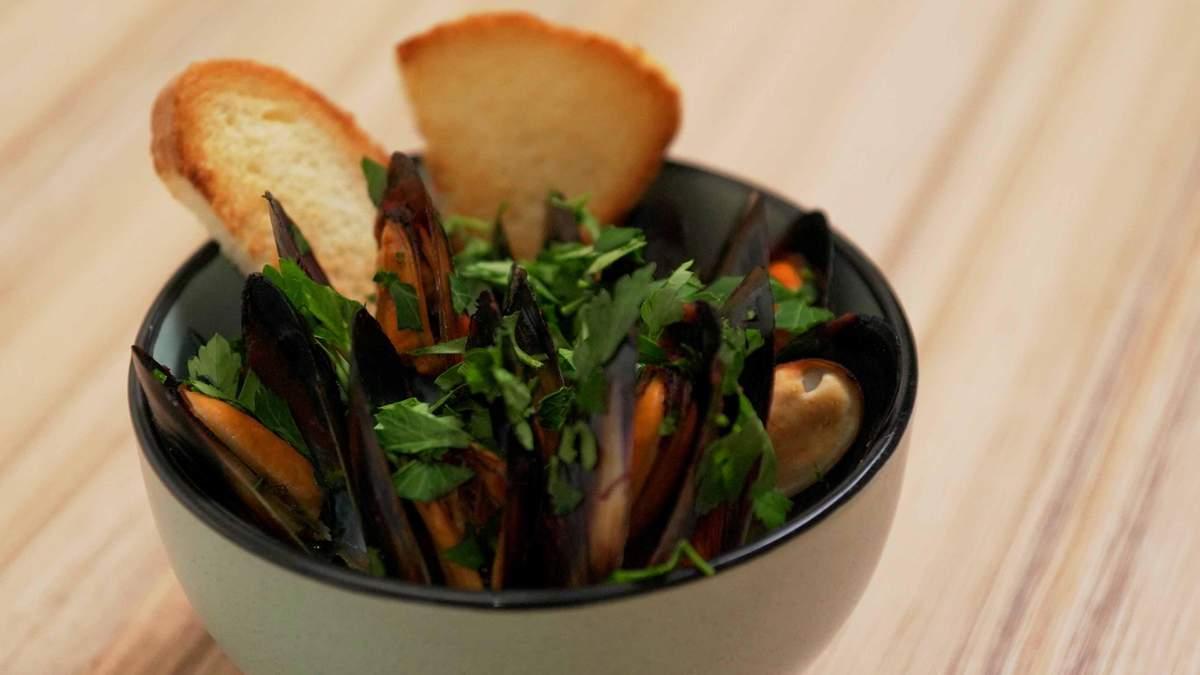 Мідії у томатному соусі – рецепт, як готувати італійську страву