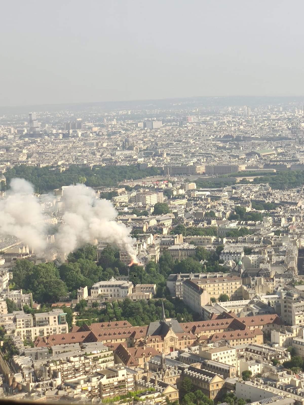 Пожежа у Парижі