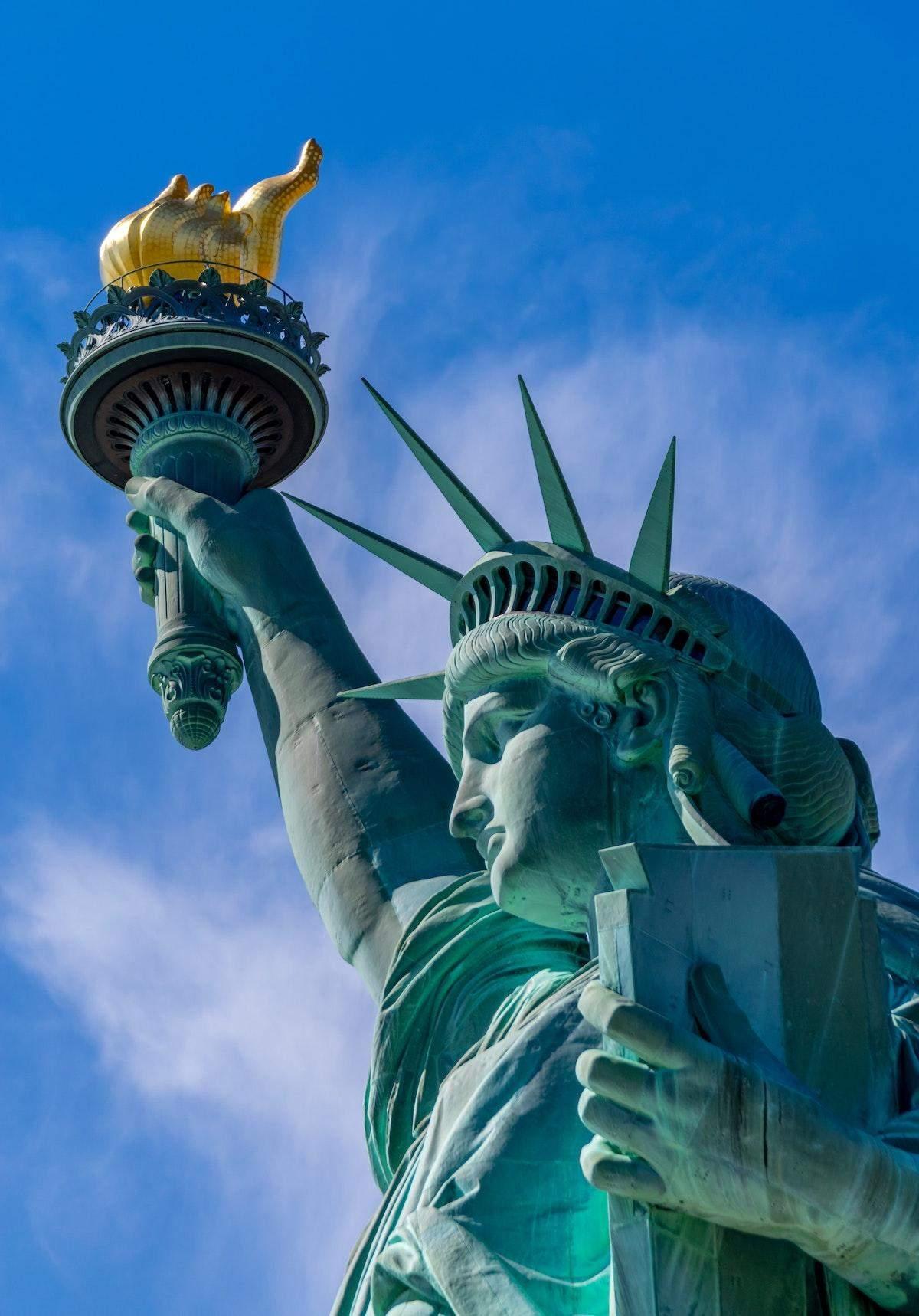 Может быть, пора признать, что Статуя Свободы никогда не ...