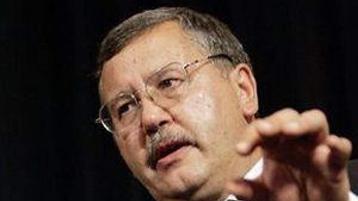 Гриценко пояснив, чому з'являється дефіцит в Пенсійному фонді