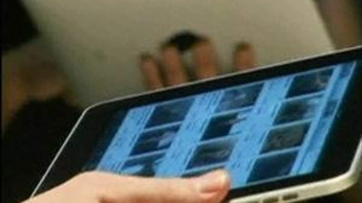 """Apple звинуватила Samsung у """"копіюванні"""" iPhone та iPad"""